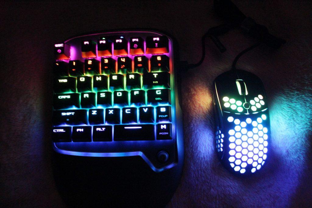 لوحة مفاتيح VX2 للألعاب من GameSir ، أفضل لوحة مفاتيح للالعاب