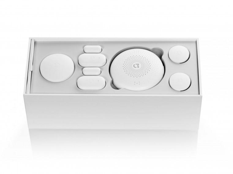 اجهزة الأستشعار الذكية والتي تعد أحد أفضل وأهم الأجهزة التي يجب ان تتوافر في البيت الذكي