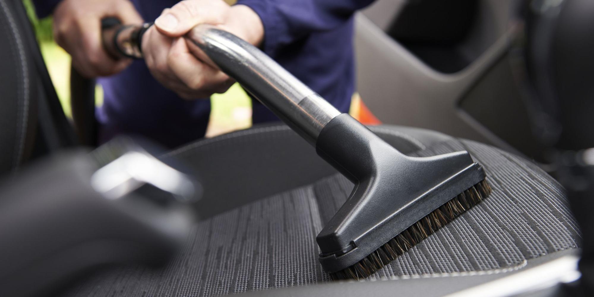 أدوات تنظيف السيارة