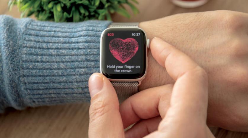 ساعة لقياس نبضات القلب